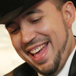 Fidel Rueda Canta Sonriendo